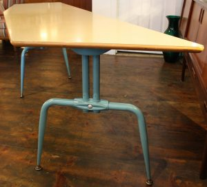 FrenchLaminatedTable3_l