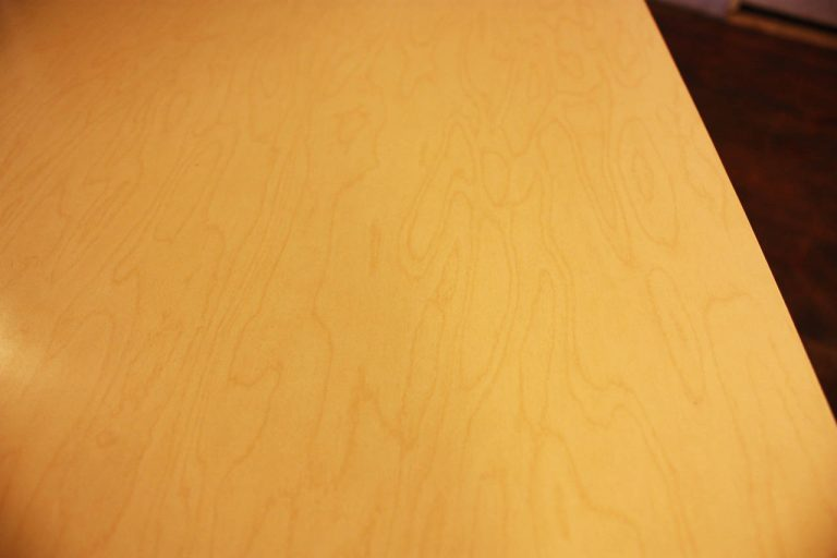 FrenchLaminatedTable6_l