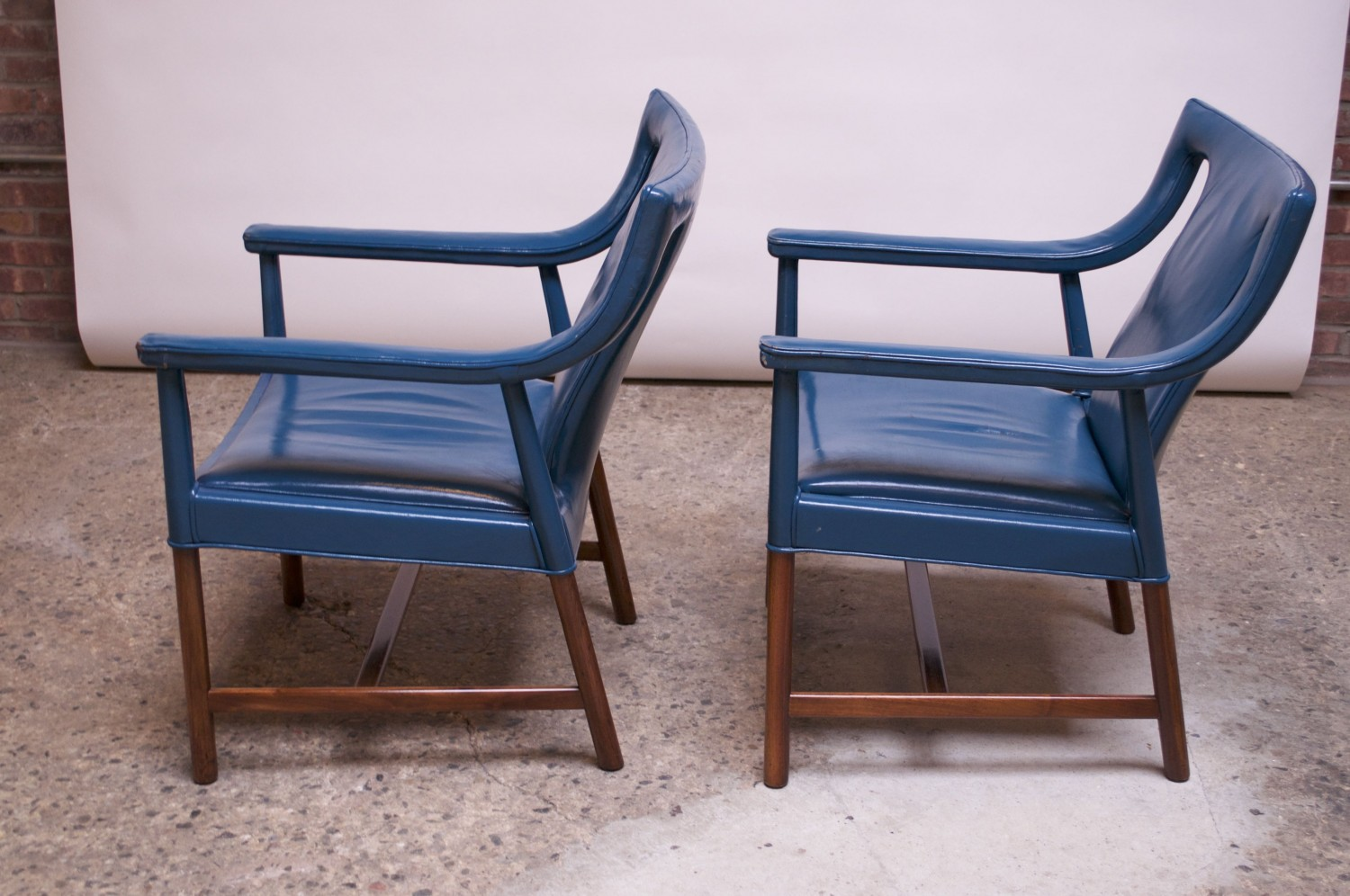 Surprising Pair Of Danish Blue Leather Armchairs By Ejner Larsen And Aksel Bender Madsen Pabps2019 Chair Design Images Pabps2019Com