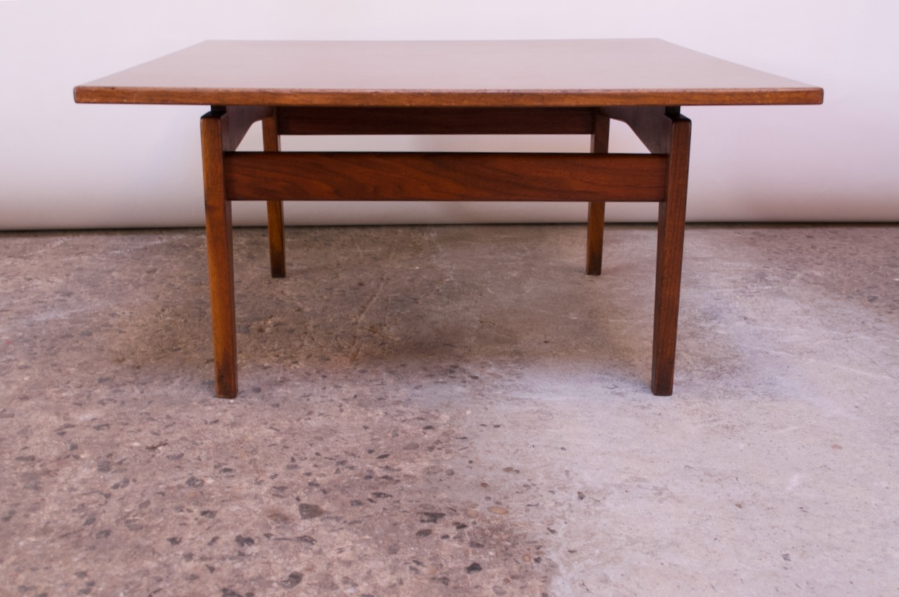 Sculptural Jens Risom Walnut Coffee Table Jarontiques